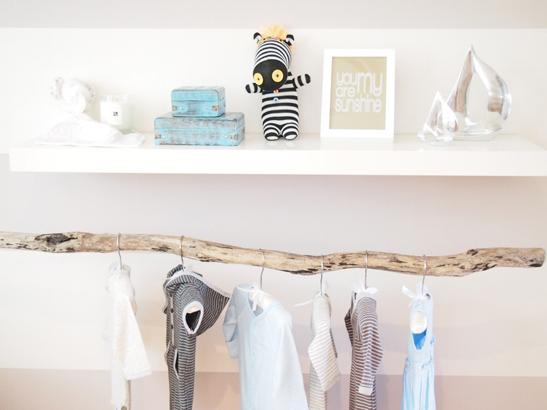 Inspiration chambre de poupon debobrico - Chambre bebe blanche et grise ...