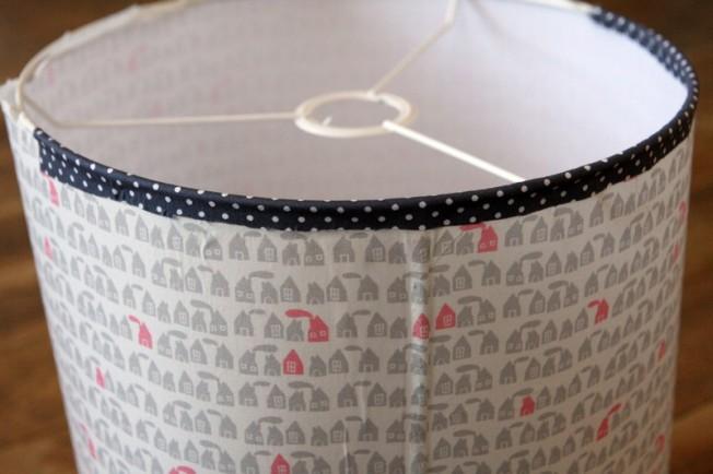 diy l 39 abat jour en tissu debobrico. Black Bedroom Furniture Sets. Home Design Ideas