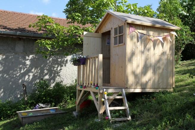 la cabane dans le jardin. Black Bedroom Furniture Sets. Home Design Ideas